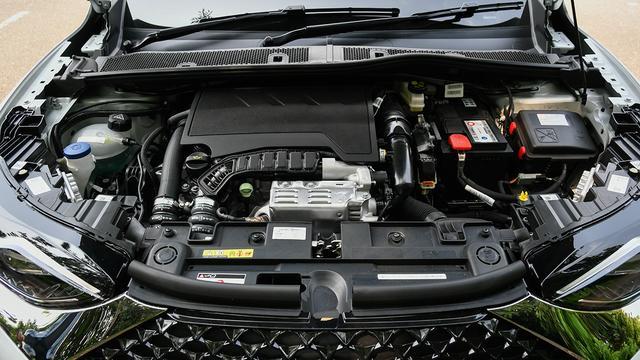 画像: 電子制御式ウエイストゲートを採用でレスポンスを向上させた1.2Lピュアテックを搭載。環境性能も高い。