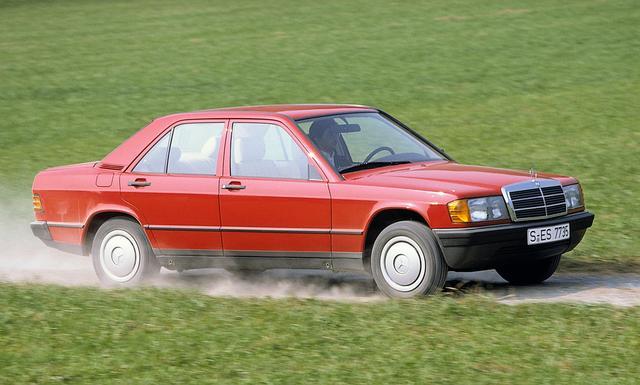 画像: 1982年に発表されたW201型、190シリーズ。日本では燃料噴射仕様の190Eの名で呼ばれることも多かった。