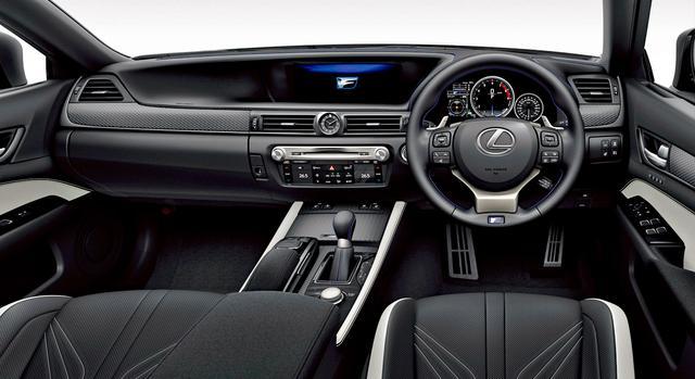 画像1: ブラック&アクセントホワイトのインテリアカラー(オプション装着車)