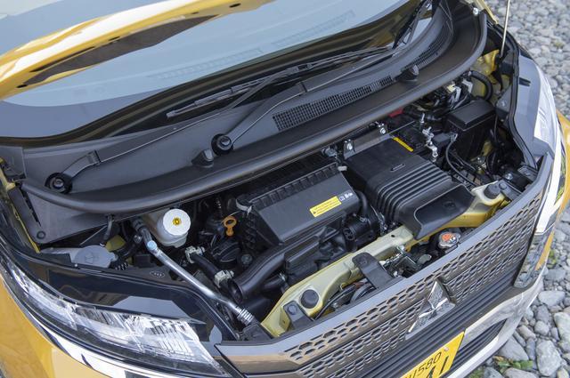 画像: エンジンは659cc の自然吸気(52ps)と写真のターボの2タイプを設定。いずれも2WDと4WDを選べる。
