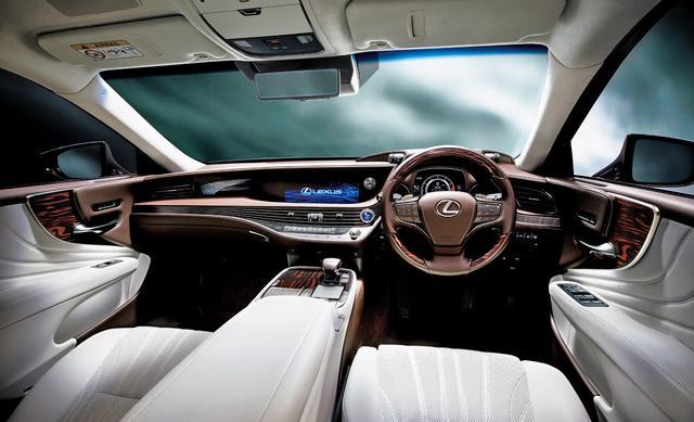 画像1: LS500h バージョンL(インテリアカラー : ホワイト)<オプション装着車>