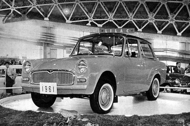 画像: 1960年の第7回ショーに出展された、トヨタの新小型車のプロトタイプUP10型。全長3.1mのボディに698ccの空冷 対向2気筒エンジンを積むという以外の詳細は未公表で、車名も公募していた。