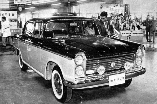 画像: 1960年、小型車規格が2Lになったことを受けて登場したセドリック カスタム。100mm長いボディに88psを発生する1.9Lエンジンを搭載していた。