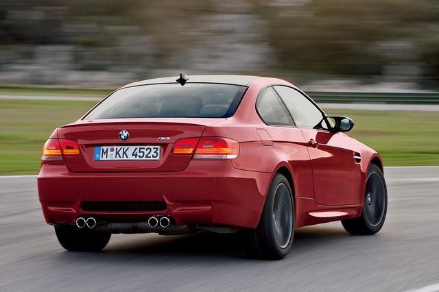 画像: 初代M3は当初目標の3倍以上となる1万8000台を販売。1992年登場の2世代目M3は7万2000台、1999年デビューの3代目M3はなんと9万台のセールスを記録している。その性格の変遷もうなずける。