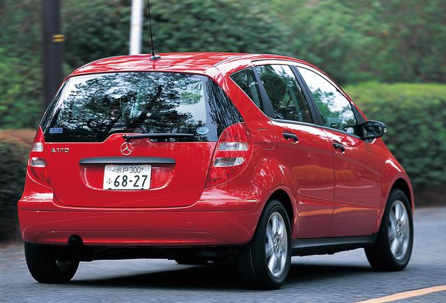 画像: メルセデス・ベンツA170。コンパクトカーながら、ボディの拡大と質感向上で、メルセデス・ベンツらしい高級車の雰囲気が感じられた。