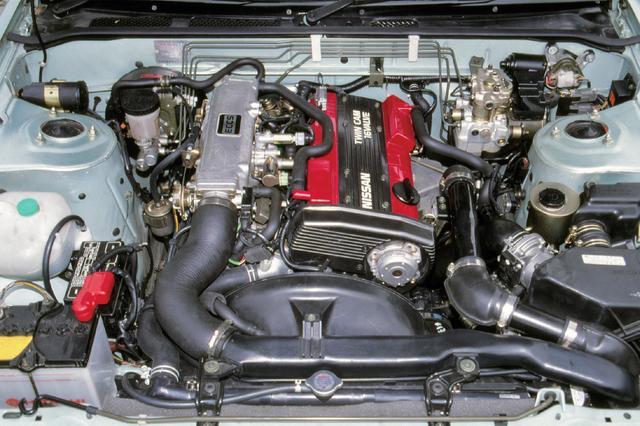 画像: エンジンは1.8LのスポーティユニットCA18DEを搭載した。J's、Q'sは自然吸気で135ps、ターボを搭載したK'sはCA18DETとなり175psを発生。当時としては大パワーを誇った。写真はK's用のCA18DET。