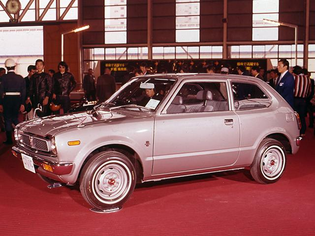 画像: 1972年の第19回ショーで、ホンダはCVCCを採用して発売したばかりのシビックがブースの中心だった。
