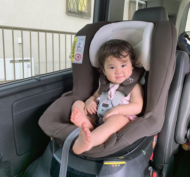 画像: 写真はミニバンのキャプテンシートだが、運転席の後ろへの取り付けを筆者はオススメしている。