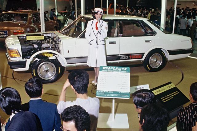 画像: 会場にはカットモデルも展示され、多くのギャラリーの注目を浴びていた。