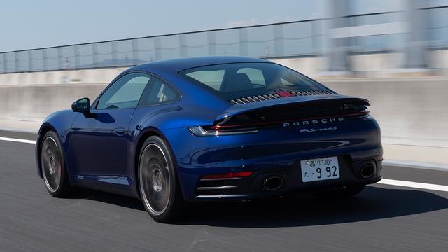 画像: フェンダーまわりのボリューム感溢れる造形は歴代911の特徴である。