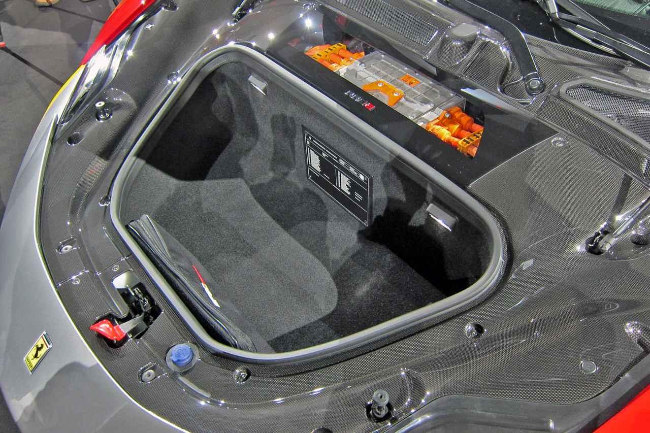 Images : 13番目の画像 - フェラーリ SF90ストラダーレ - Webモーターマガジン