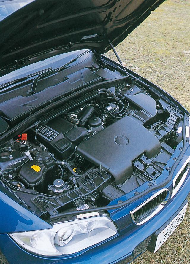 画像: 凝ったデバイスは持たないが、走らせてみると思わず納得させられる116i用のN45B16A型エンジン。全車共通の6速ATとのマッチングもいい。