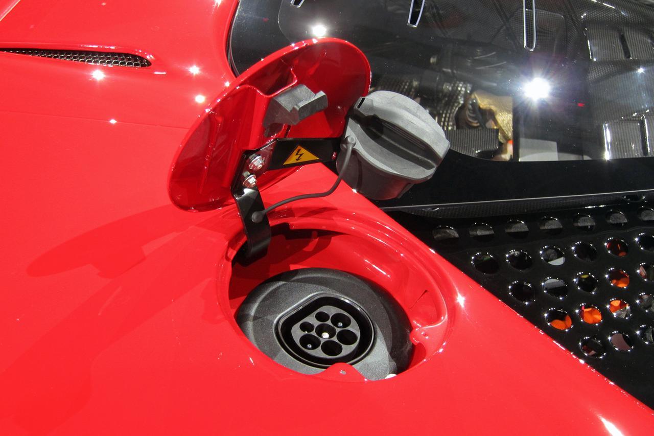 Images : 15番目の画像 - フェラーリ SF90ストラダーレ - Webモーターマガジン