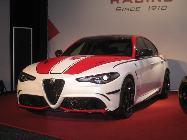 画像: ジュリア クアドリフォリオ F1 トリビュート 限定6台 車両価格1459万円。