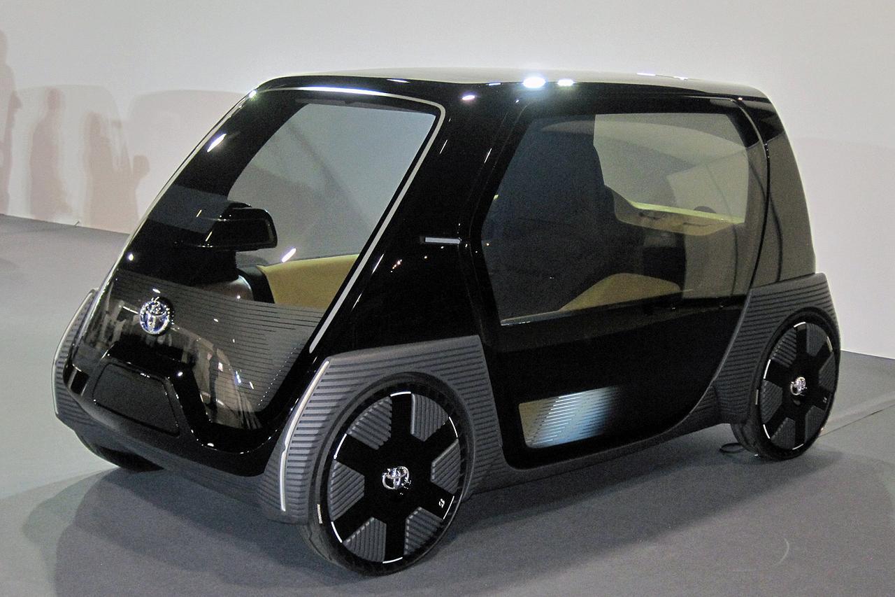 画像: ビジネス向けコンセプトモデルは、スライドドアやブリヂストンのエアフリータイヤを採用している。