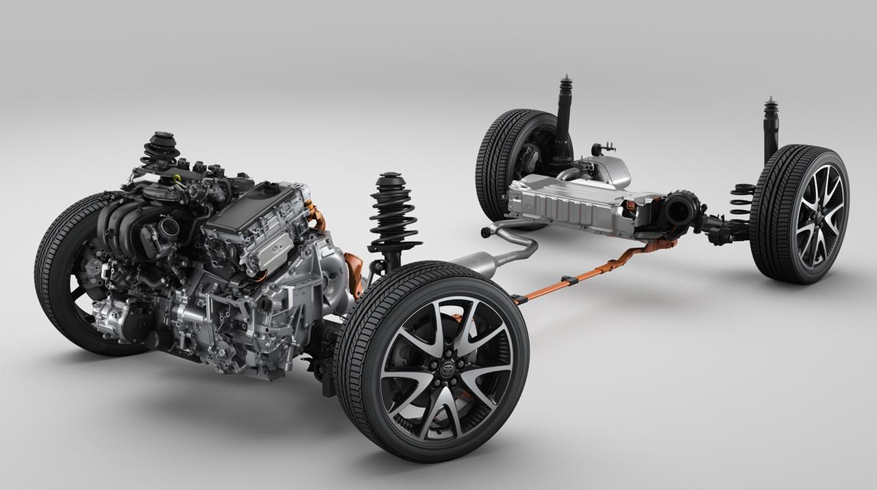 画像: ハイブリッドユニットは小型化され効率をアップ。駆動用バッテリーもずいぶんと小さいが効率は従来比50%以上もアップしている(写真は欧州仕様)。