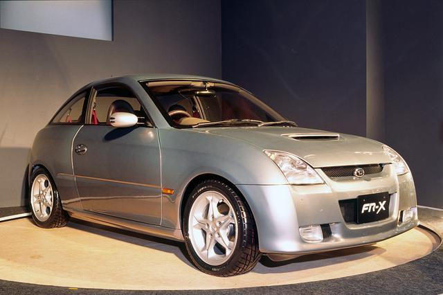 画像: ダイハツ FR-Xは、往年の名車トヨタスポーツ800を彷彿とさせた。