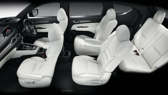 画像: Exclusive Mode(エクスクルーシブ・モード)の2列目キャプテンシートにはマツダ車初となる電動スライド&リクライニングが装備される。(写真はXD L Package)