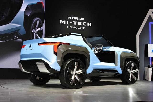 画像: マイテックコンセプト。ボディカラーはライトブルーメタリックとし、モーターコイルをモチーフとしたカッパーの差し色を、グリル、ホイール内部、インテリアの各所に入れることで、電動車としての先進性を表現したという。