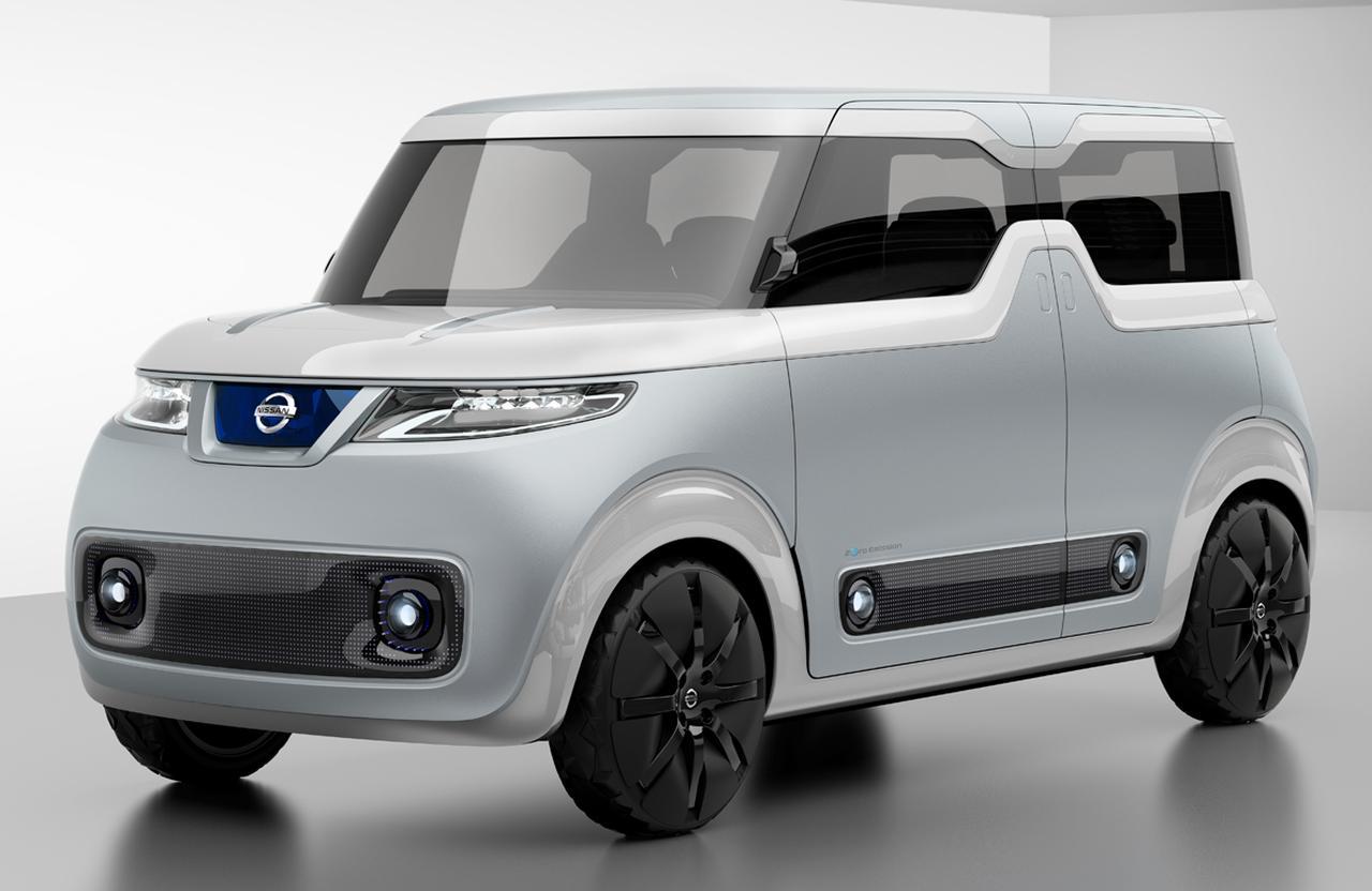 画像: 2015年の東京モーターショーに出品された「TEATRO for DAYZ」。軽自動車規格のEVというコンセプトを具現化していた。