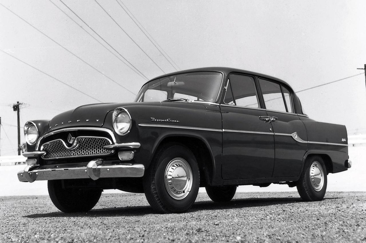 画像: 1958年10月に大がかりなマイナーチェンジで前後のデザインを一新。写真は1961年4月に新設されたRS30型スタンダード。