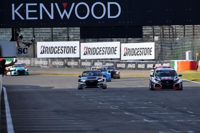 画像3: グエリエリがRace1を完全制覇! 【FIA WTCR Rd08 RACE OF JAPAN】