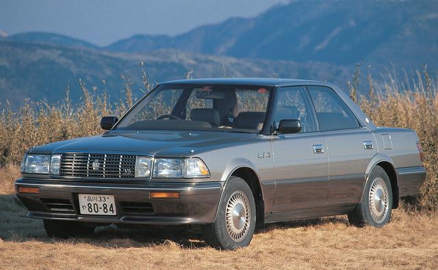 画像: 1989年8月のマイナーチェンジを機に、4L V8エンジン搭載の4000ロイヤルサルーンGを追加したことで、クラウンは名実ともに国産最高級車の地位についた。