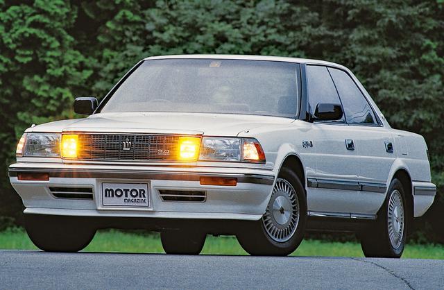 画像: 8代目クラウンの開発テーマは、世界が認めるトップレベルの高級車だった。従来型はモールで車幅を稼いでいたが、8代目はドア断面で40mm厚くなっている。