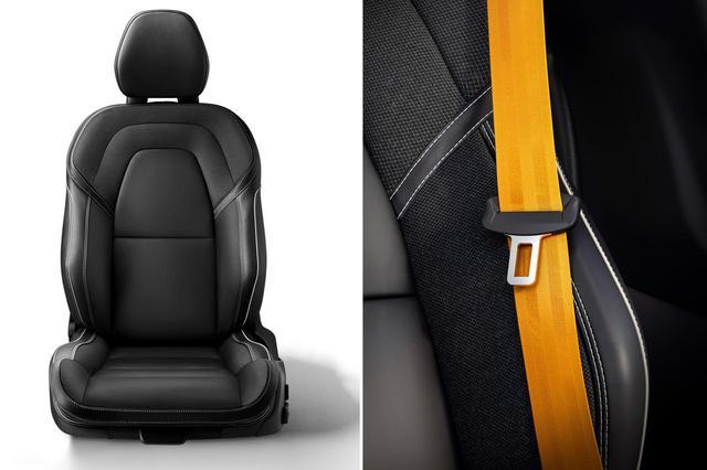 画像: S60 T8 ポールスターエンジニアードに採用される専用のスポーツシートとシートベルト。