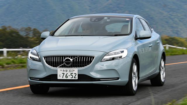画像: V40のT3インスクリプションをベースにパノラマガラスルーフやリアシートヒーターを特別装備として採用。