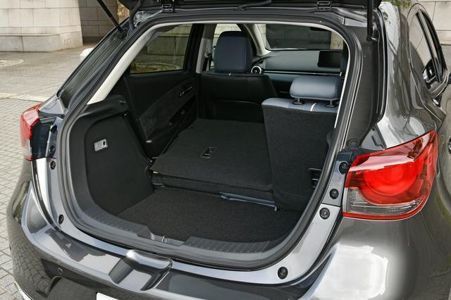 画像3: 【試乗】マツダ2 XD Lパッケージ 4WDに乗って「デミオとマツダ2の違うところ」をチェック!
