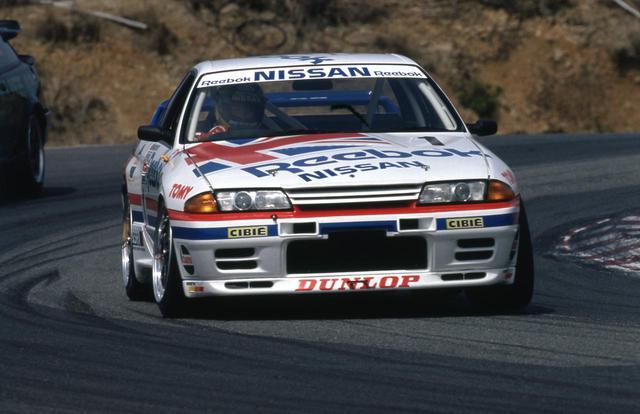 画像: 1990年の全日本ツーリングカー選手権にカルソニックスカイラインとともにデビューしたリーボックスカイライン。ファーストドライバーは長谷見昌弘だ。