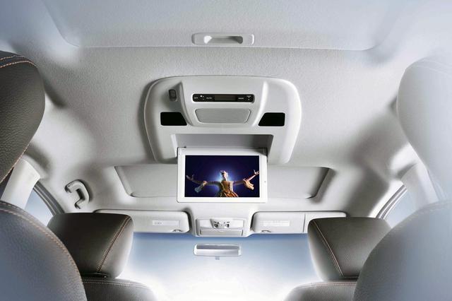画像: 子連れドライブには後席モニター付きのクルマが最適なのだが・・・。