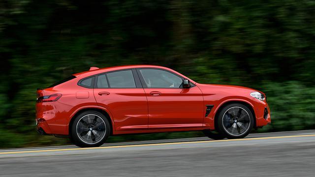 画像: X4 Mは独自性を強調するべく、SUVではなく「SAC(スポーツアクティビティクーペ)」を標榜。