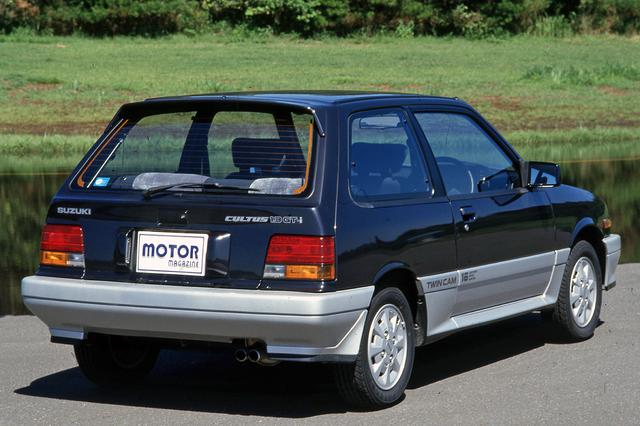 画像: 初代カルタスは3ドアのみの設定。GT-iはルーフエンドにリアスポイラーを装着していた。