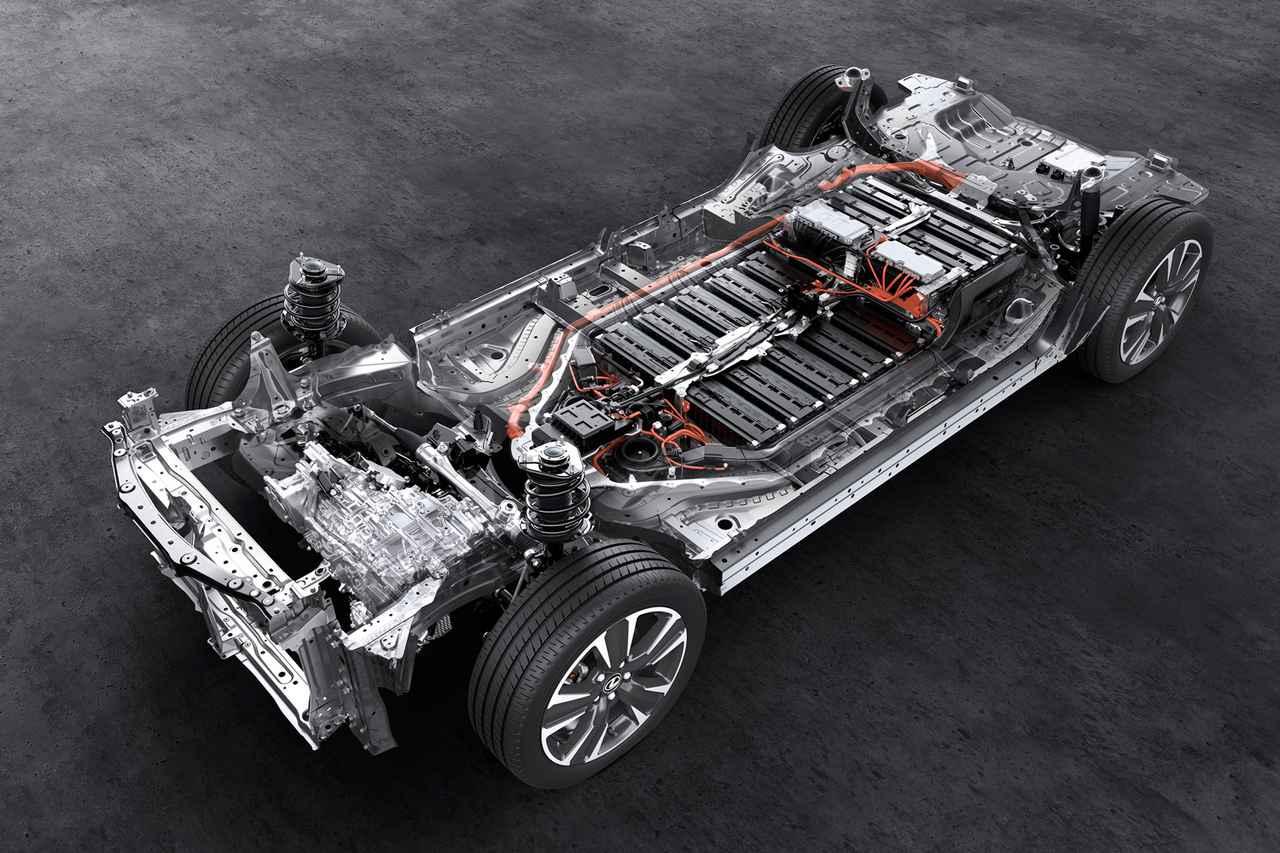 Images : 2番目の画像 - レクサス初の電気自動車「UX300e」の写真アルバム - Webモーターマガジン