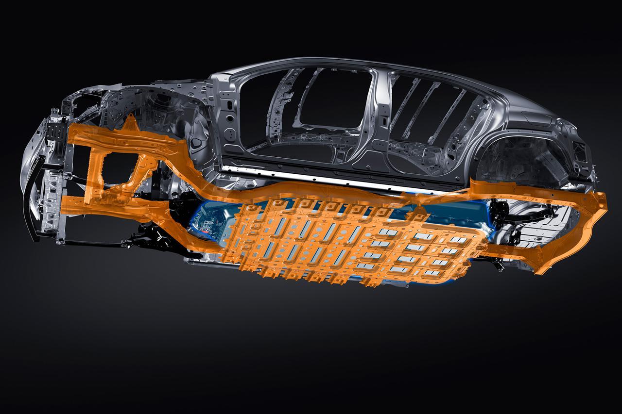 Images : 4番目の画像 - レクサス初の電気自動車「UX300e」の写真アルバム - Webモーターマガジン