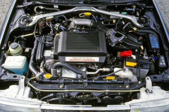 画像: スーパーチャージャーを装着して145psを叩き出すシリーズ最強エンジン。低速からの大トルクが魅力だ。