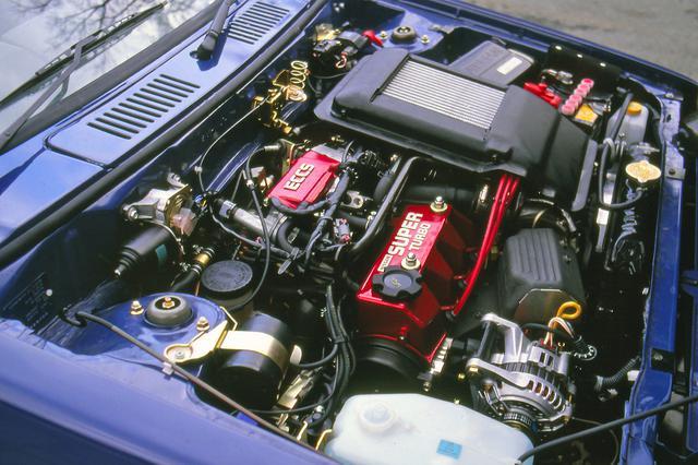 画像: 本来ラリー用に開発されたエンジンのパワースペックは、最高出力110ps/最大トルク13.3gkmと飛び切りパワフル。
