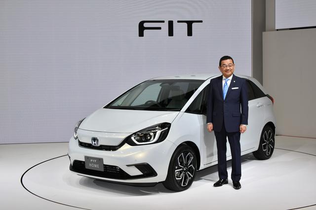 画像: 2月に発売されることが宣言された新型フィット。新たにSUVテイストの3ナンバー車「フィットクロスター」もラインアップに加わる。