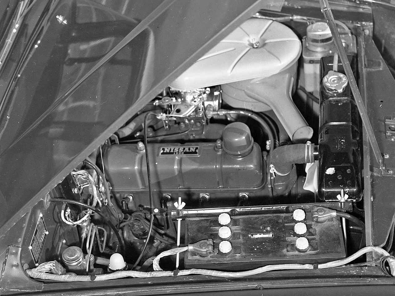 画像: 写真のエンジンは1961年4月に追加登場した1.9LのH型。パワースペックは88ps/15.6kgm。