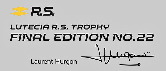 画像: ロラン・ウルゴンのサイン入りシリアルプレート。