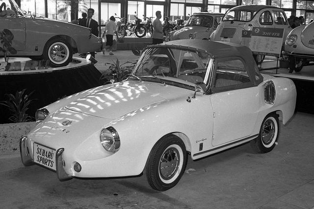 画像: スバル 360をベースに試作され、1961年の東京モーターショーに出展されたスバルスポーツ。残念ながら市販には至らなかった。