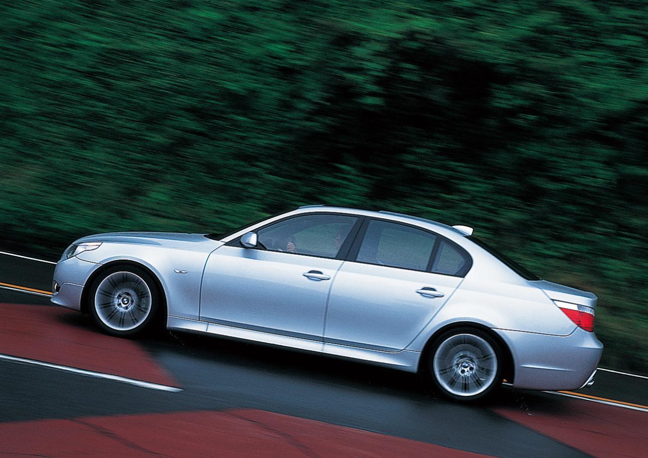 画像: BMW525i。3Lストレート6を搭載、5シリーズにはそのほか、トップグレードとしてV8エンジン搭載の545iがラインアップされている。