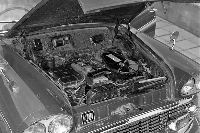 画像: 1.9Lの直4エンジンは、グロリアに搭載されたものと差別化するためレギュラーガソリン仕様となった。