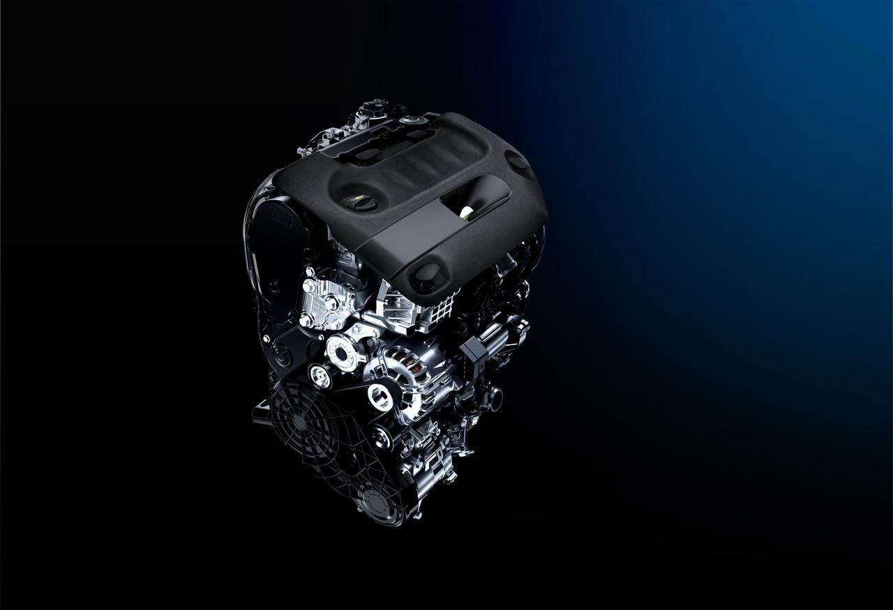 画像: ソフトウエアのマネジメント変更により、燃費を従来の17.8km/Lから21.2km/L(JC08モード)に向上させた2L BlueHDiディーゼルエンジン。