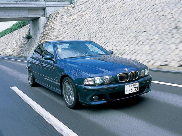 画像: E39型M5。刺激という意味ではMモデルらしい仕上がり。0→100km/h加速性能は5.3秒。