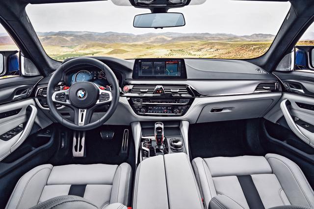 画像: MxDriveと名付けられた新しい4WDシステムを搭載、サーキットでこそその真価を発揮した。