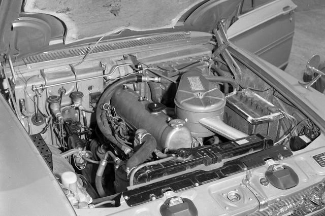画像: 日本車初のSOHCを採用した2Lの直6エンジンのG7型は105ps/16.0kgmを発生した。