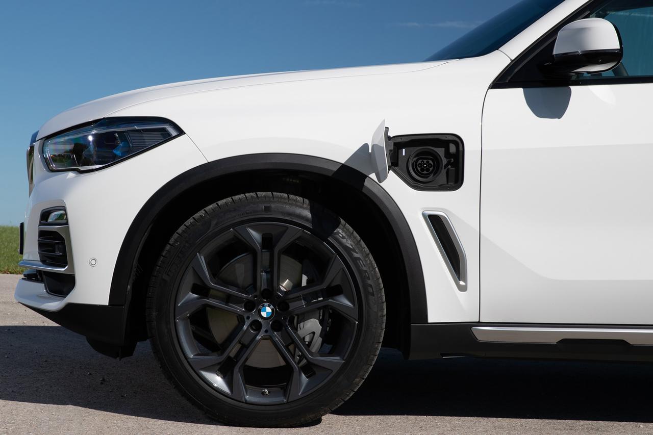 Images : 14番目の画像 - BMW X5 xDrive45eとM50i - Webモーターマガジン